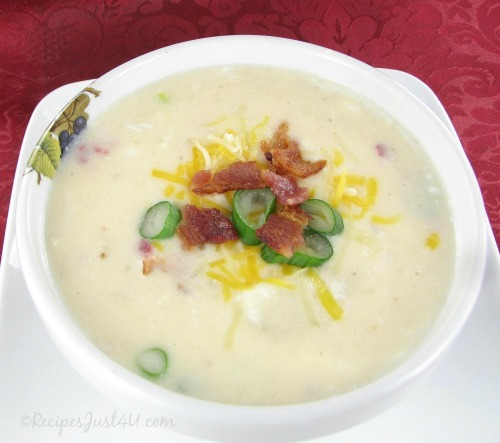 Hearty and thick Bacon Cheddar Potato Soup
