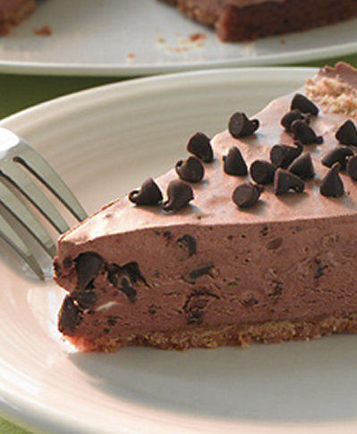 Frozen Chocolate Mud Pie from rightathome.com