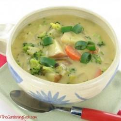 Slimmed Down Broccoli Cheddar soup