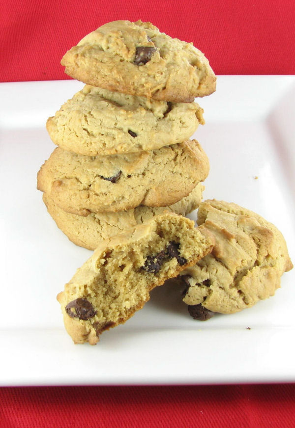 Irresistable peanut butter chocolate chip cookie