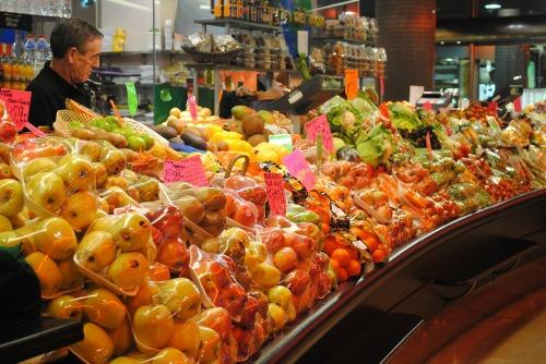 farmer's market fruit seller