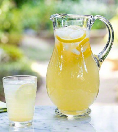perfecgt lemonade from simplyrecipes.com