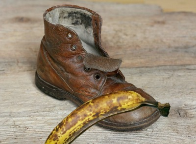 banana skins make great shoe polish