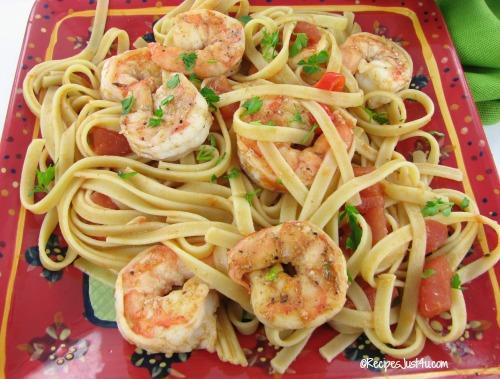 Spicy shrimp and tomato pasta