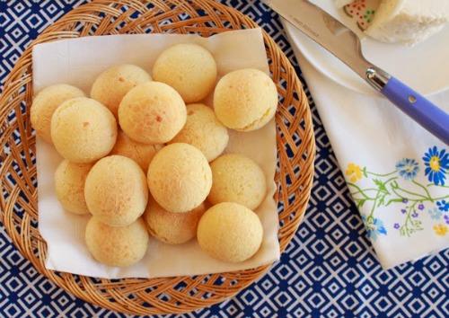 Pão de Queijo from mollymel.blogspot.com