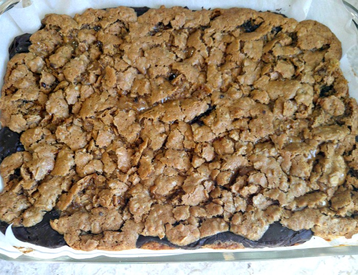 Cooked oatmeal cookie bars