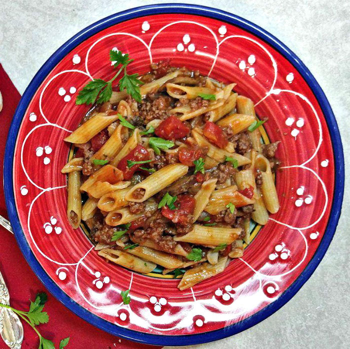 Penne Pasta with Ground beef and tomato sauce