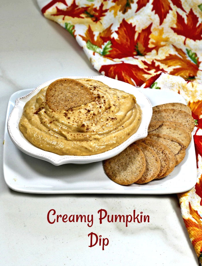 Creamy pumpkin pie dip with cinnamon crackers