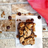 Oatmeal bars with chocolate