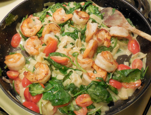 Easy Shrimp Alfredo With Spinach Amp Tomatoes Recipes Just 4u