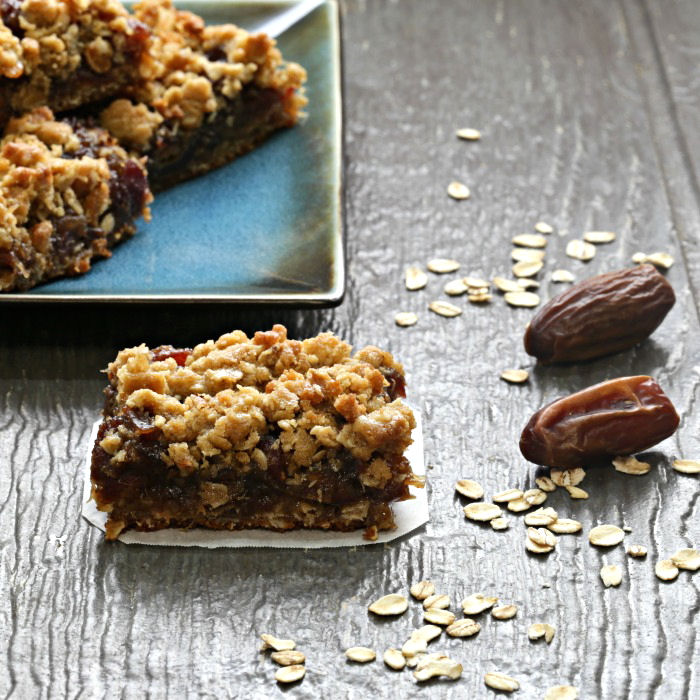 Maple syrup date bars with brown sugar topping