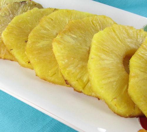 Brown sugar glazed pineapple
