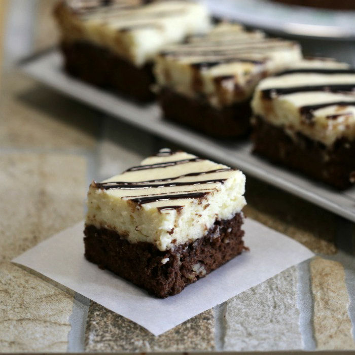 brownie cheesecake slice