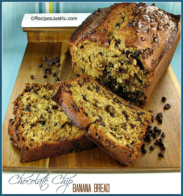 This chocolate chip banana bread makes great use of ripe bananas and has a wonderfully, moist texture. redipesjust4u.com