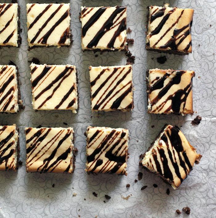 Cut browning bottom cheesecake bars