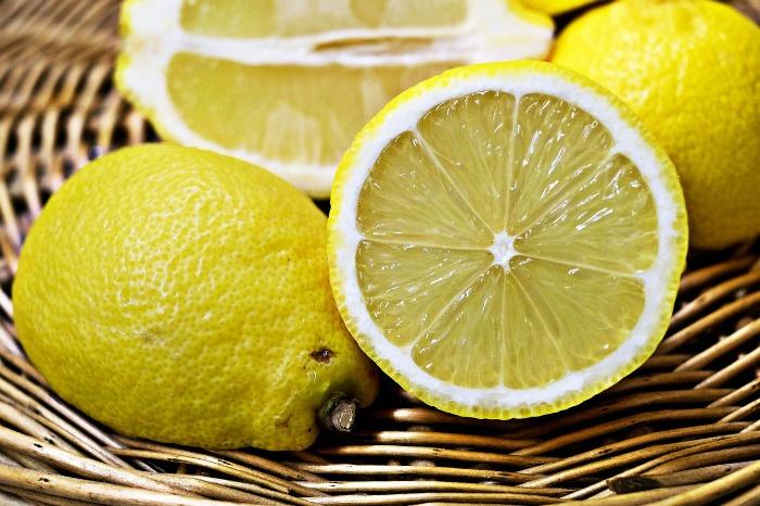 fresh lemons make a great tasting cake