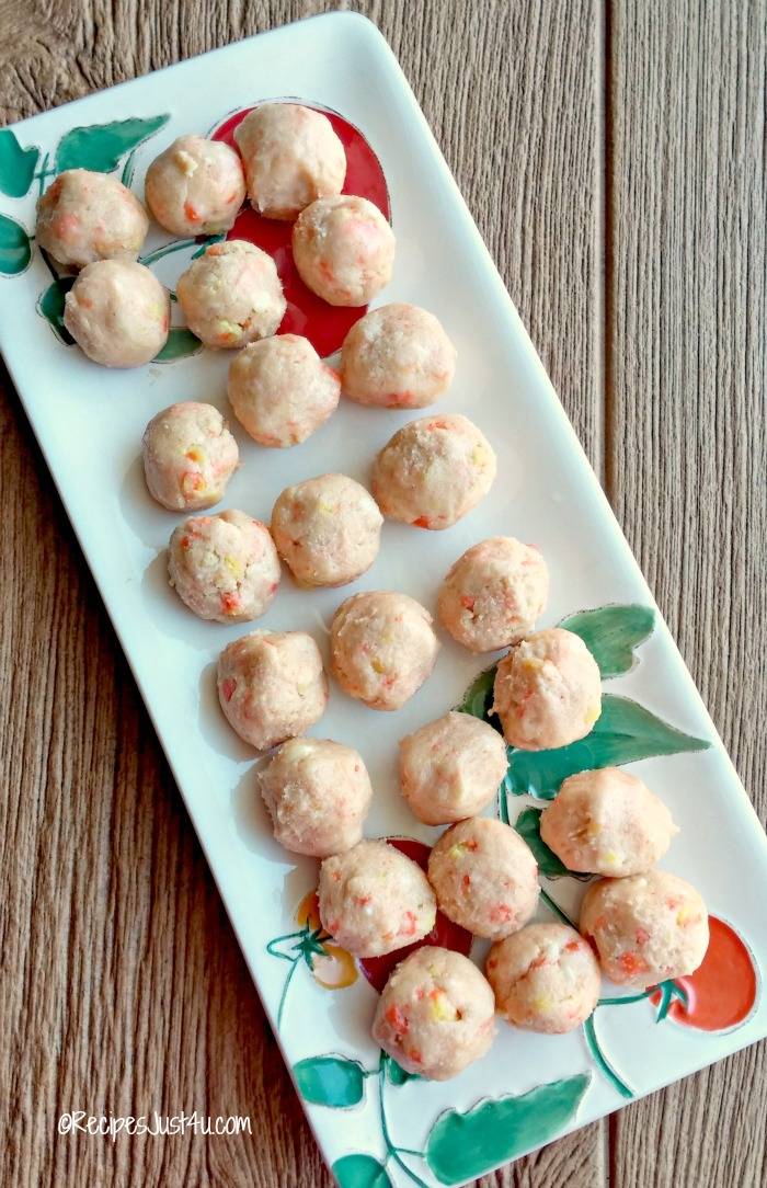 Rolled candy corn balls