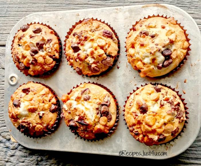 chocolate chip caramel muffins