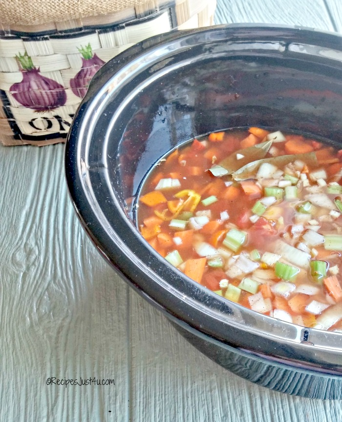 slow cooker spicy Minestrone soup ready to cook
