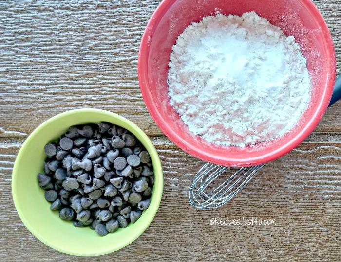 whisk dry ingredients.
