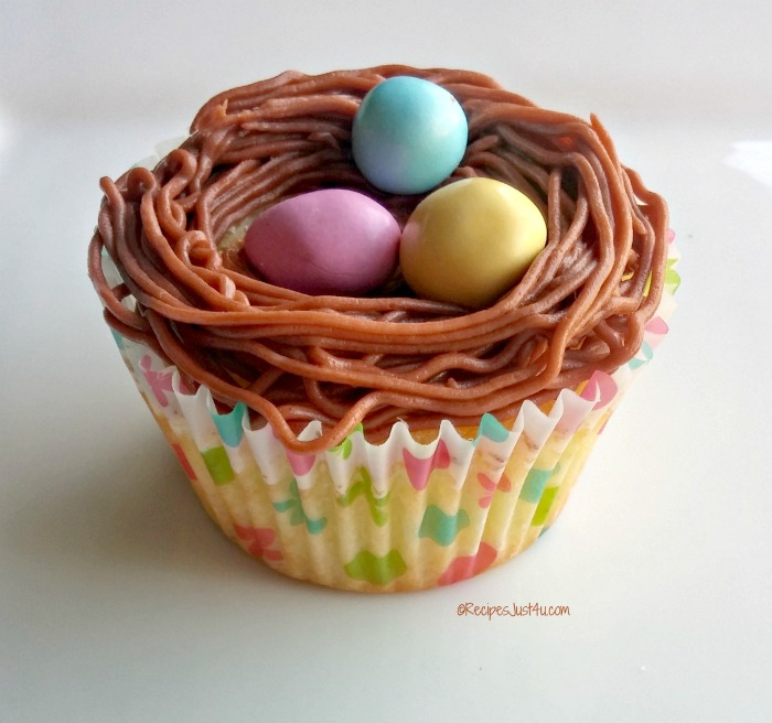 cupcake nests with Easter eggs