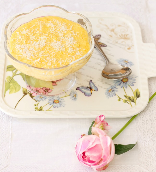 Sweet corn and coconut pudding - My friend Regina from mollymel.blogspot.com shared it for my readers to enjoy.