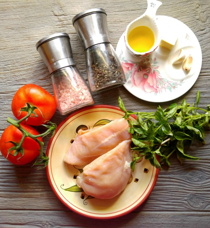 Ingredients for Basic garlic chicken in a buttery tomato sauce