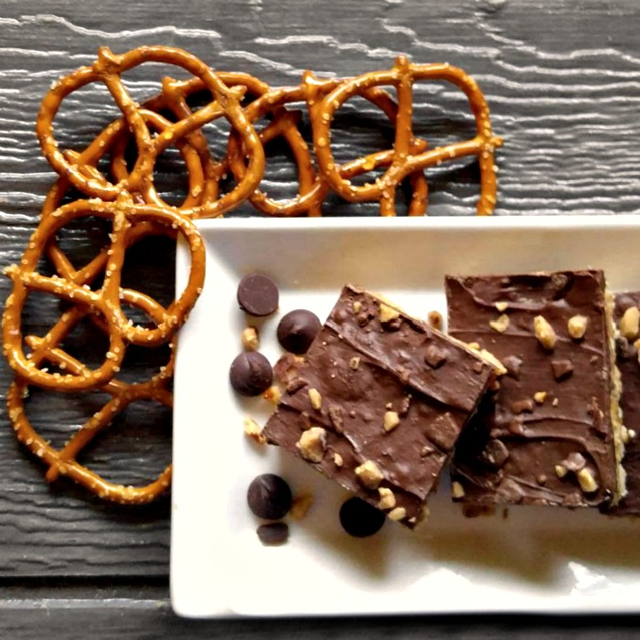No bake chocolate toffee peanut butter pretzel bars