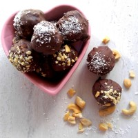 No bake chocolate peanut butter bites