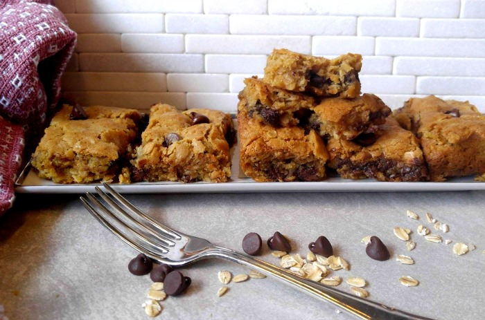Chocolate chip oatmeal bars ready to eat!
