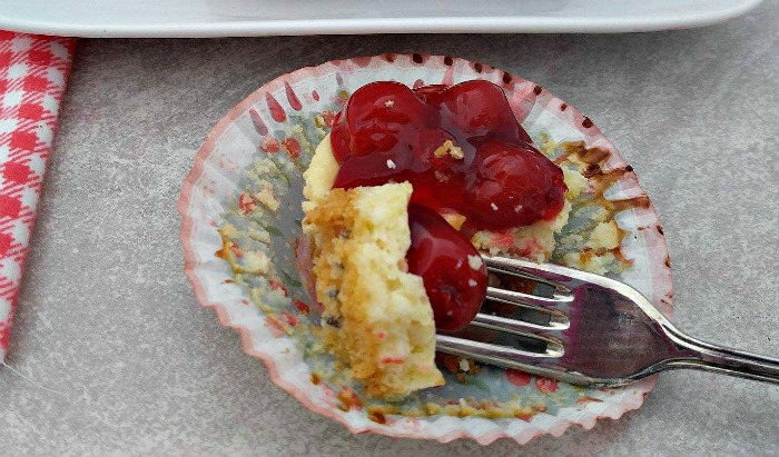 Take a bite of these Mini cherry cheesecake cupcakes