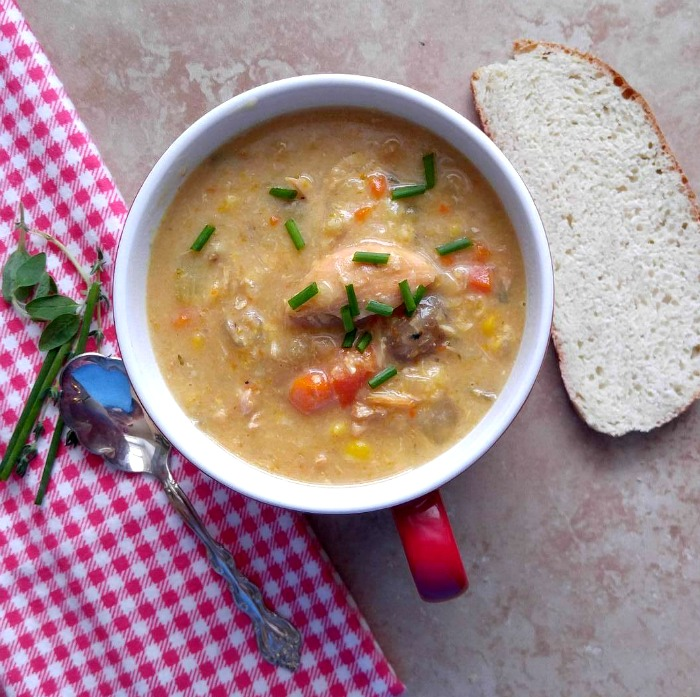 Slow cooker chicken corn soup