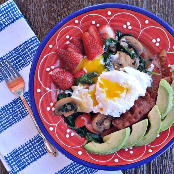 Great breakfast bowl idea with eggs