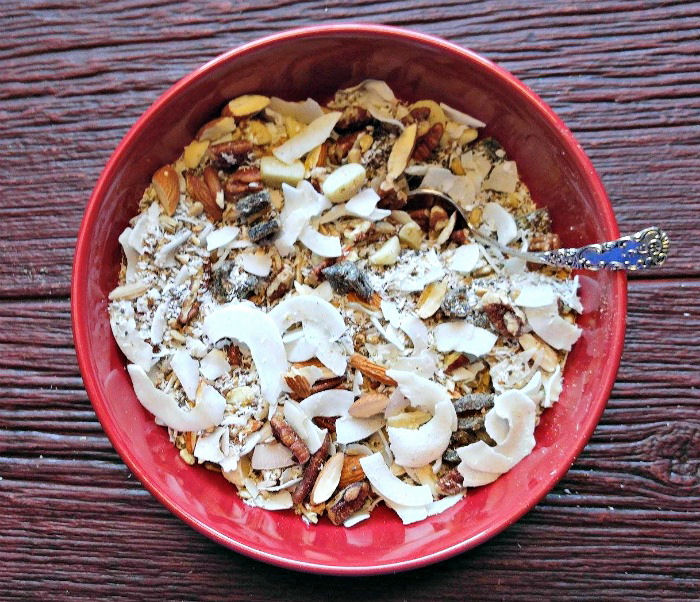 Make grain free muesli quickly in just a few minutes
