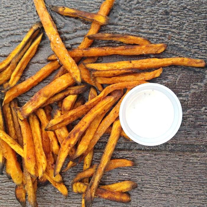 Crispy sweet potato fries and sauce