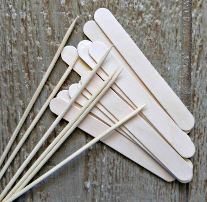 Bamboo skewers and craft sticks can be used to make popsicles