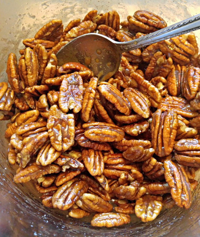 delicious maple cinnamon toasted pecans