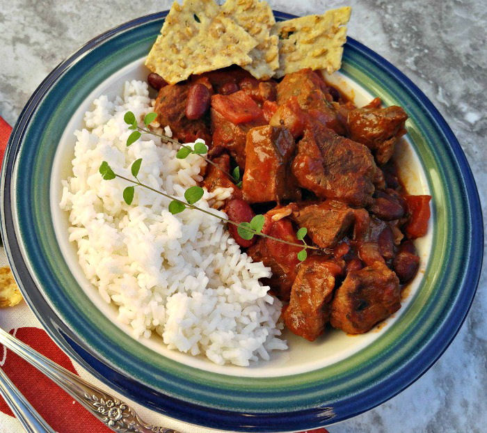 Chile con carne with rice