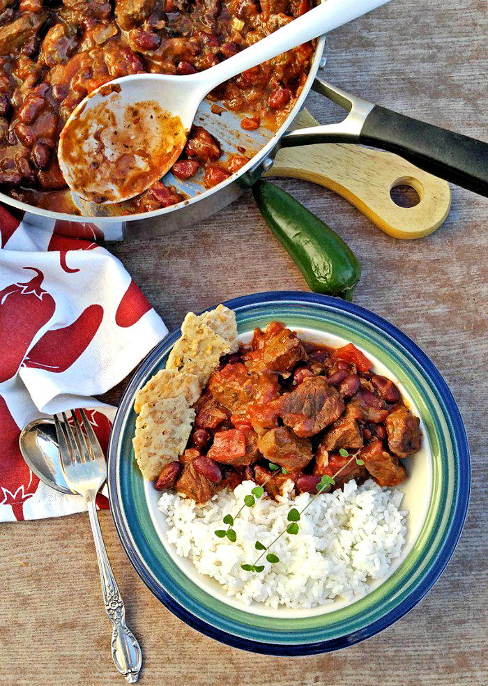 one pot meals like this Chile con carne have very easy clean up