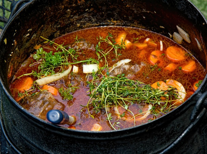 Building flavors in a stew