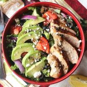 Mediterranean salad with cooked chicken
