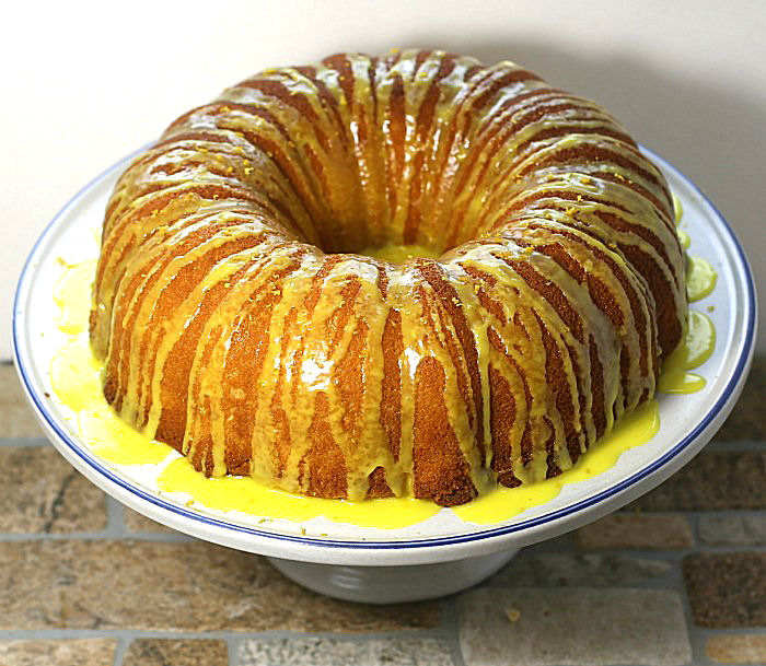 Lemon bundt cake with lemon glaze