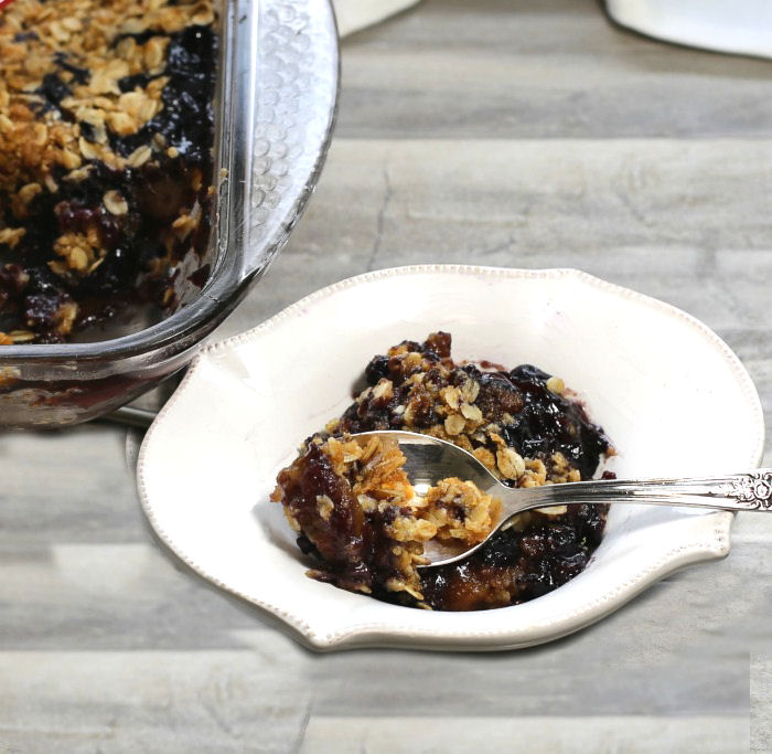Bowl of blueberry fig crumble