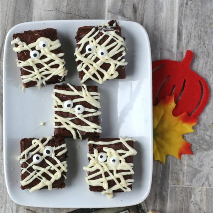 Plate of yummy mummy brownies