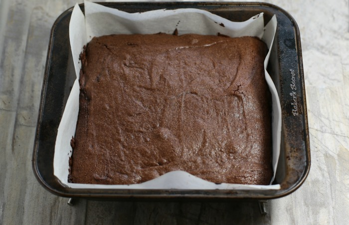 Let the brownies cool completely
