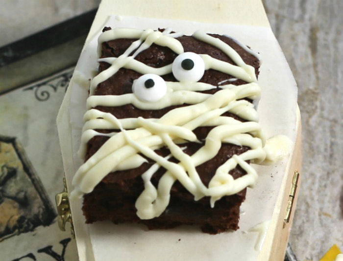 Cute mummy brownie
