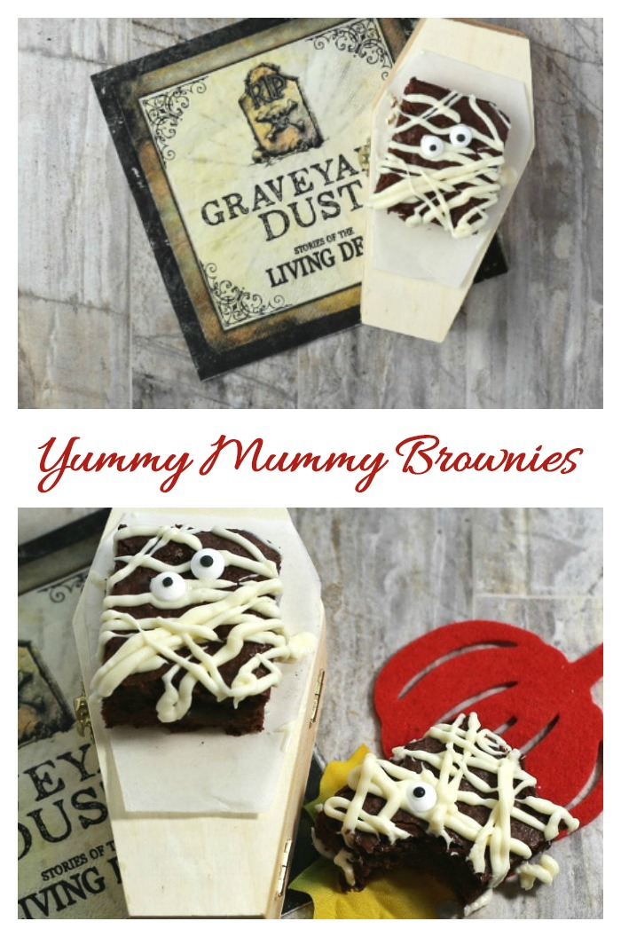 These yummy mummy brownies will be a hit on your Halloween dessert table. #halloweenbrownies #mummybrownies