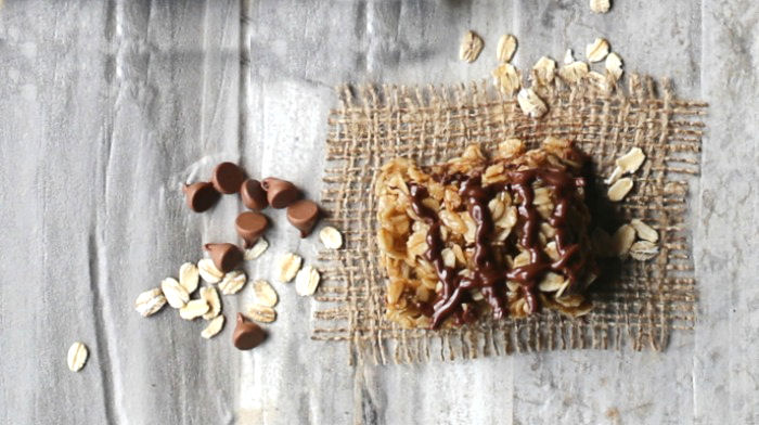 no bake peanut butter chocolate oatmeal bars