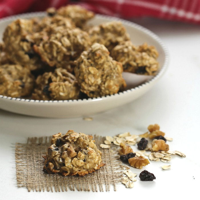 Oatmeal Cookie Recipe with Raisins and Walnuts - Weight Watcher Cookies  - 3 Points!