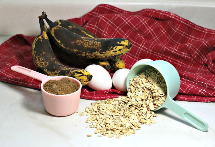 Ingredients for this easy banana loaf recipe